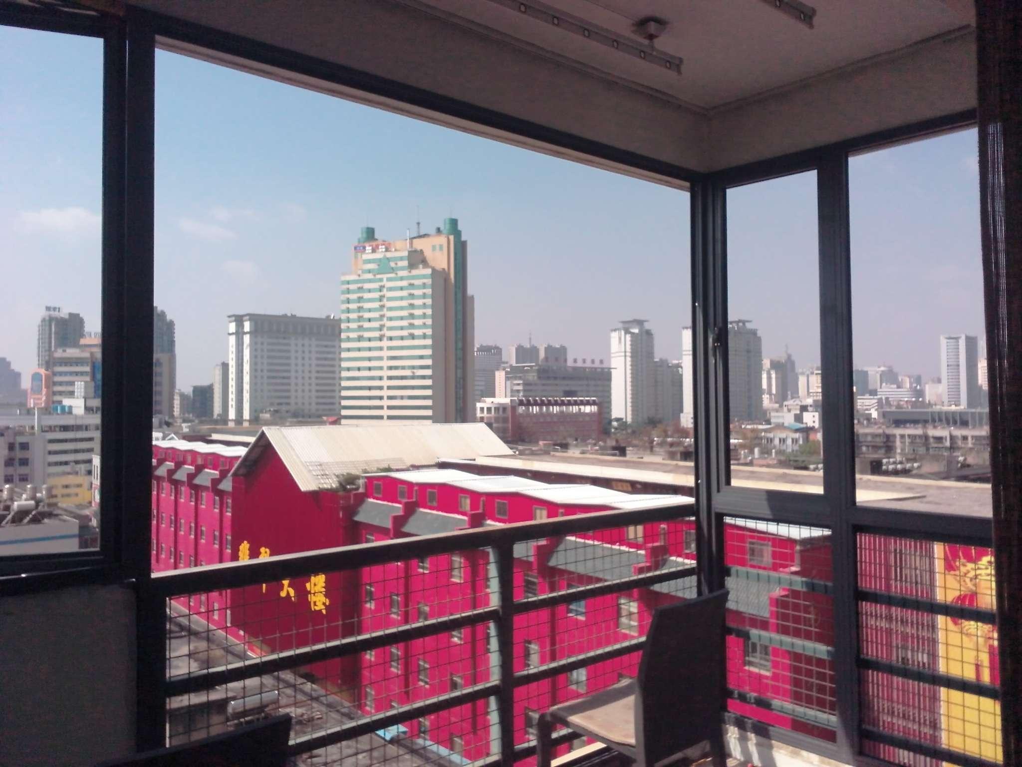 阳台窗封装,断桥铝门窗,塑钢阳台窗,铝合金阳台窗,阳光房设计及安装